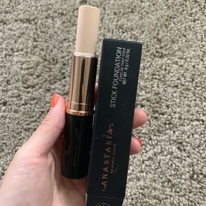 ABH Foundation Warm alabaster